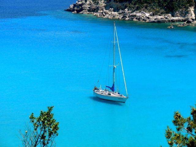 Com'è dolce navigare nelle isole Ionie della Grecia !!