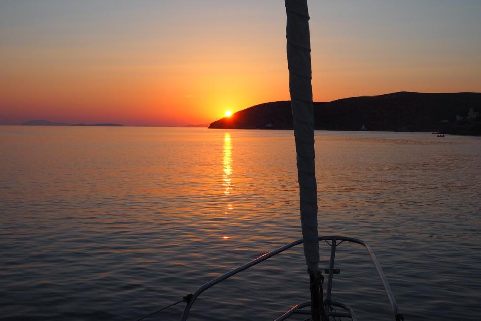 Crociera in barca a vela navigando fra Cicladi e Dodecaneso